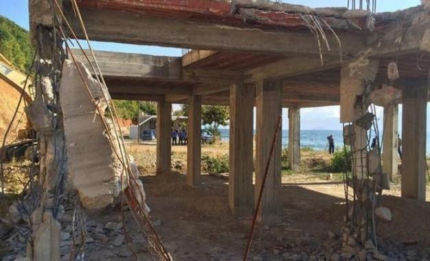 Nis aksioni për prishjen e ndërtimeve pa leje në Pogradec