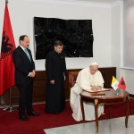 presidenti-nishani-pritja-papa-francescu-3 (1)
