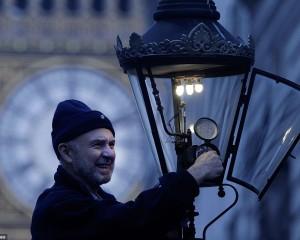 Londra ndriçohet me drita me gaz