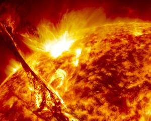 Një stuhi diellore kërcënon Tokën