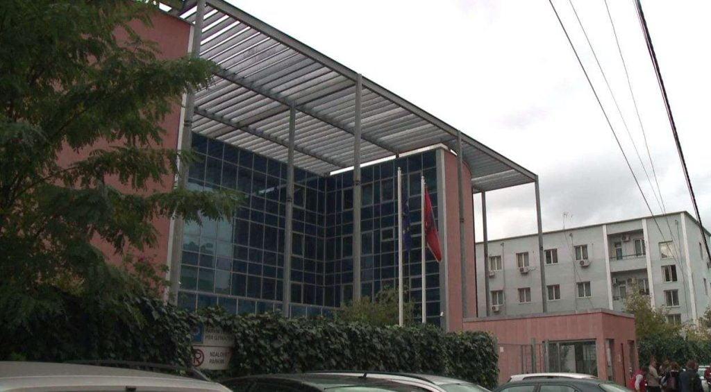 Tiranë  Numri i lartë i të arrestuave  vështirësi në sallë të gjyqit