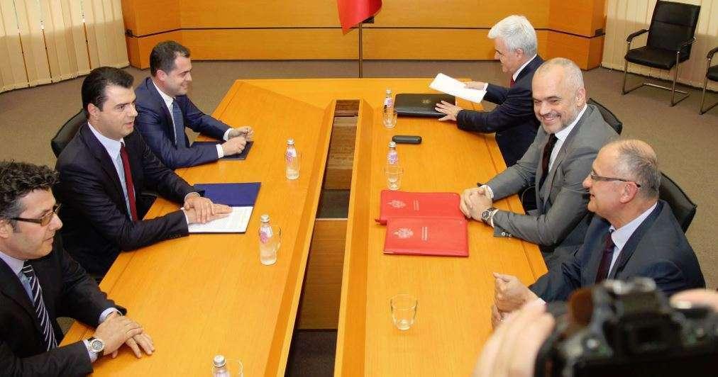 Para vizitës së Mogherinit  Rama takohet me Metën  Dialog me opozitën në Kuvend