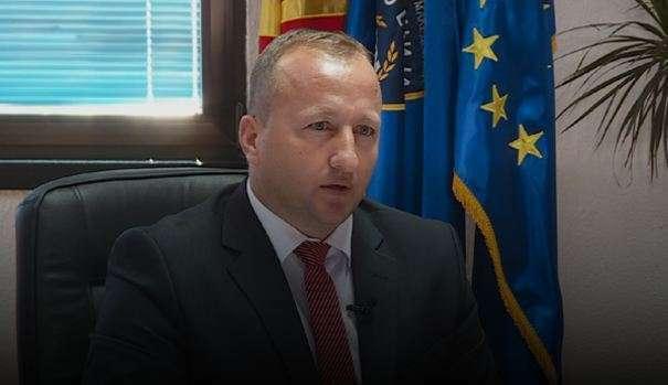 Maqedoni, jep dorëheqjen ministri shqiptar i Punëve të Brendshme