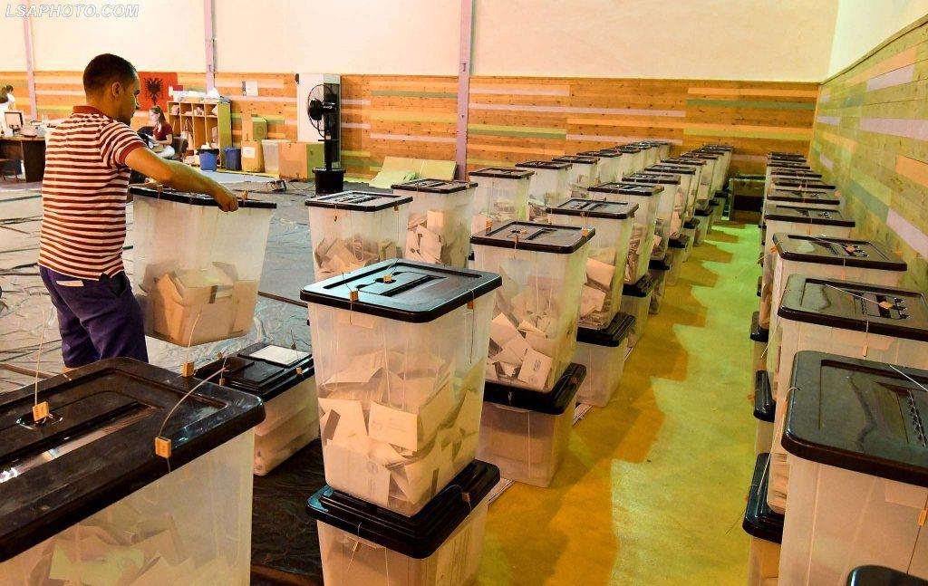 Zgjedhjet 2017  Mbyllet numërimi i votave në 2 qytete