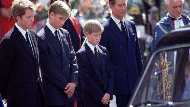 Princ Harry: Askush nuk dëshiron të bëhet mbret apo mbretëreshë