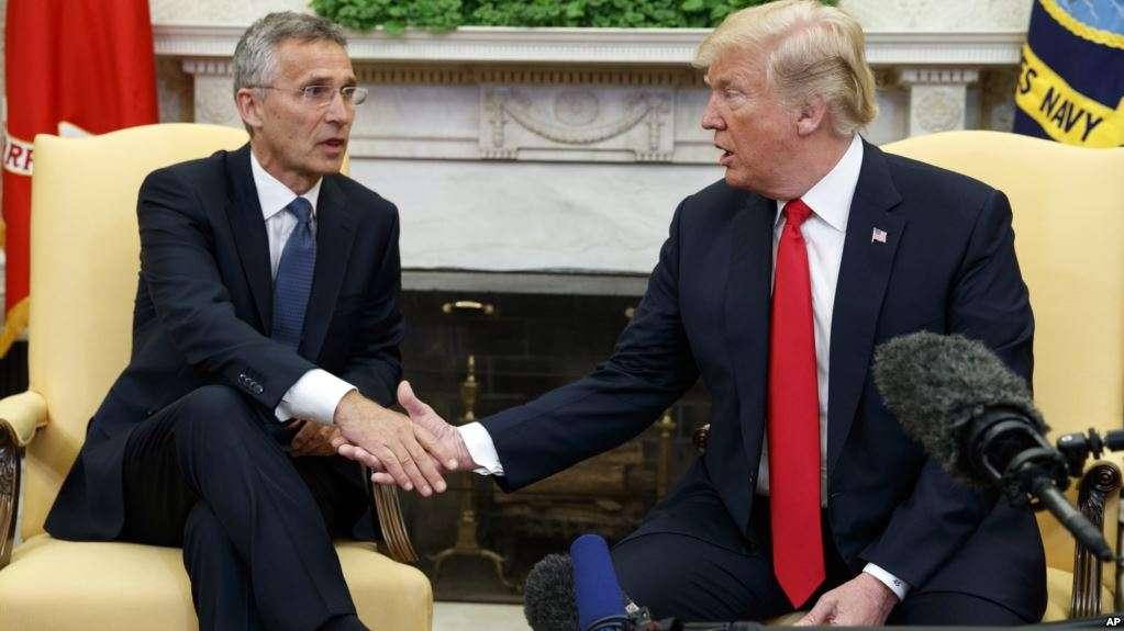 Presidenti Trump takohet me Sekretarin e Përgjithshëm të NATO s