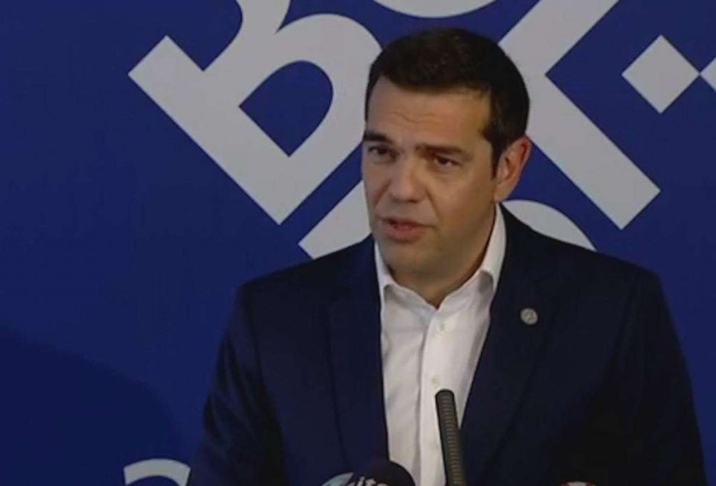 Tsipras pranon gjendjen e luftës me Shqipërinë