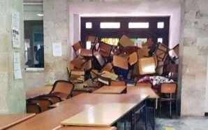 Studentët e Ekonomikut bllokojnë hyrjen