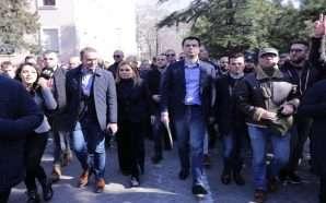 Mediat e huaja për protestën e opozitës dhe dorëzimin e…