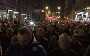 Opozita serbe kërkon largimin e Vuçiç