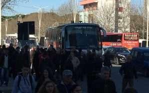 Dhjetra autobusë me protestues nga rrethet drejt Tiranës