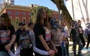 FRPD marshim kundër përdorimit të gazit lotsjellës në protestë