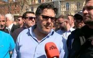 Paloka: Të largohet policia dhe të lirojë Parlamentin