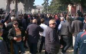Burg për 3 nga 6 protestuesit e opozitës