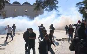 14 të arrestuar për dhunën në protestë