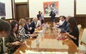 Vuçiç: Taksa ndaj mallrave serbe ka ngrirë dialogun me Prishtinën