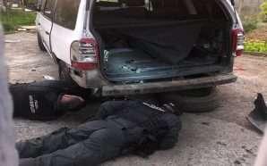 Tritol makinës së policit në oborrin e shtëpisë në Tiranë…