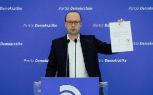 PD kallëzon sekretarin e Kuvendit