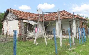 Mijëra shtëpi të kyçura, njerëzit vazhdojnë ende të ikin (Video)