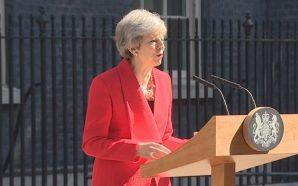 Theresa May njofton dorëheqjen