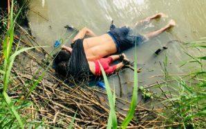 Foto shokuese, babai dhe vajza mbyten teksa përpiqen të kalojnë…