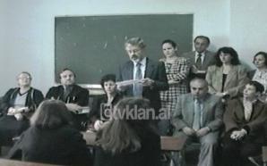 Nxënësit shqiptar pajisen me diploma italiane (05 Nëntor 1998)