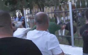 Përplasje në Kavajë mes mbështetësve të opozitës dhe policisë (Video)