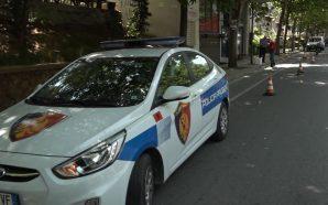 Ambulanca përplas për vdekje të moshuarën
