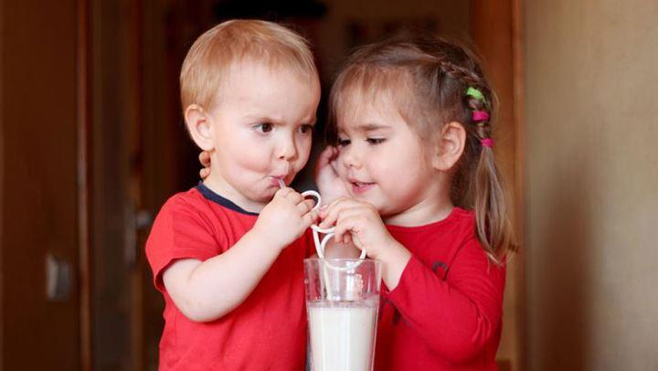 Sa qumësht duhet të pinë fëmijët 0 9 vjeç