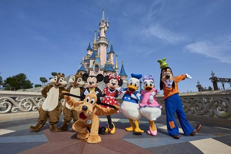 Disneyland në Paris hap dyert