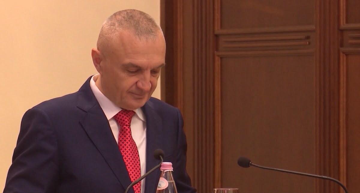 Presidenti uron Nikollën: Më në fund kemi mbyllur dy vitet më të errëta të historisë tonë